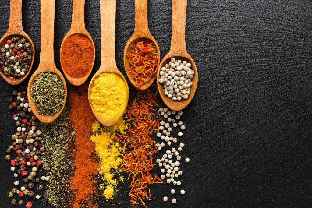Przyprawy — sprawdzony sposób na urozmaicenie diety