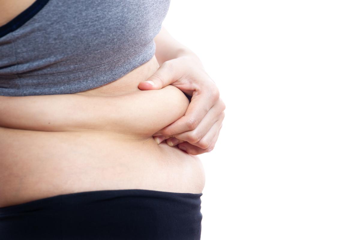 Jak skutecznie zrzucić tłuszcz z brzucha?
