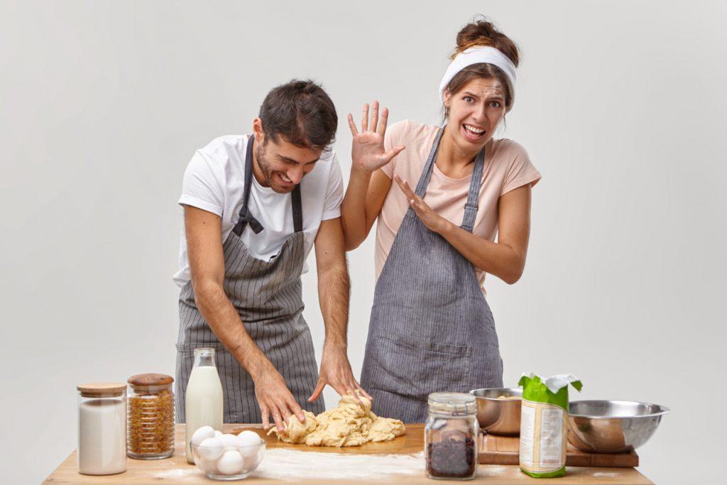 Plusy i minusy samodzielnego gotowania